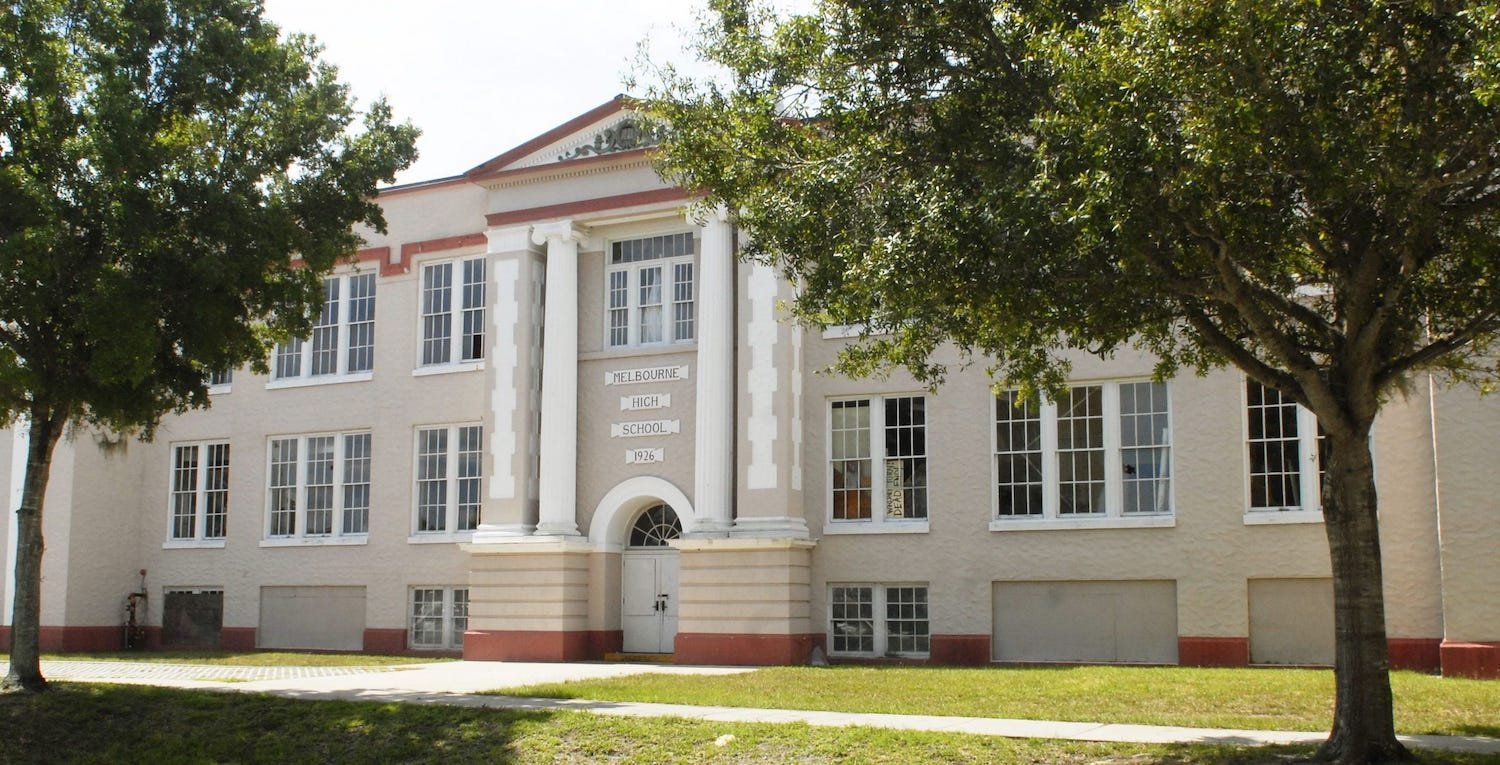 10 Abandoned Schools In Florida You Have To See To Believe
