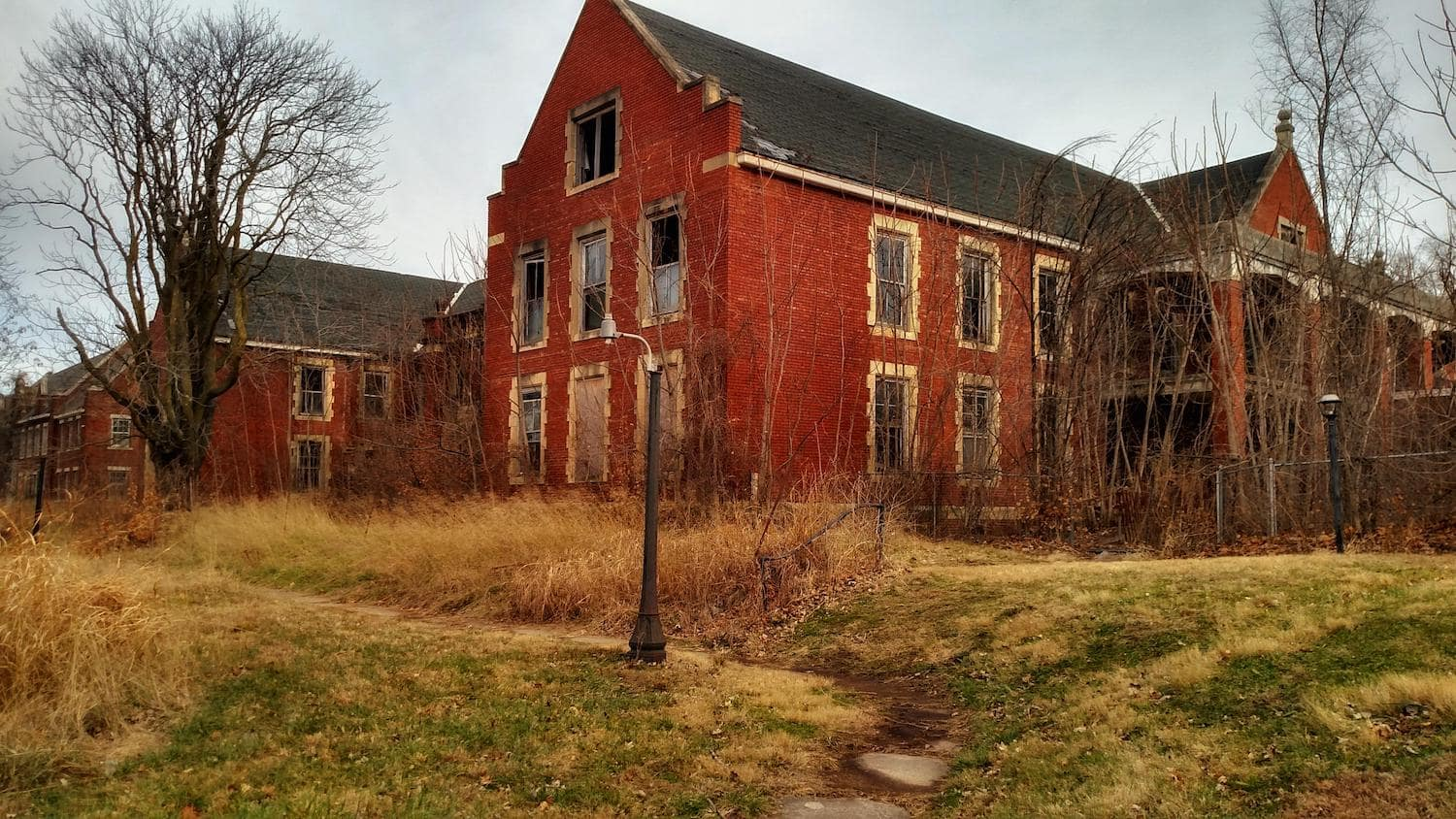 Our Choices For The 8 Best Abandoned Places In Missouri 2021